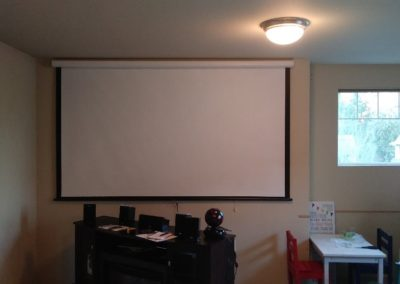 kids-theater-room-open-screen